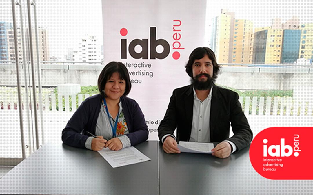 IAB firma convenio de cooperación con APDEV